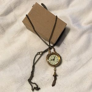Jewelry - Vintage clock pendant necklace-antique gold